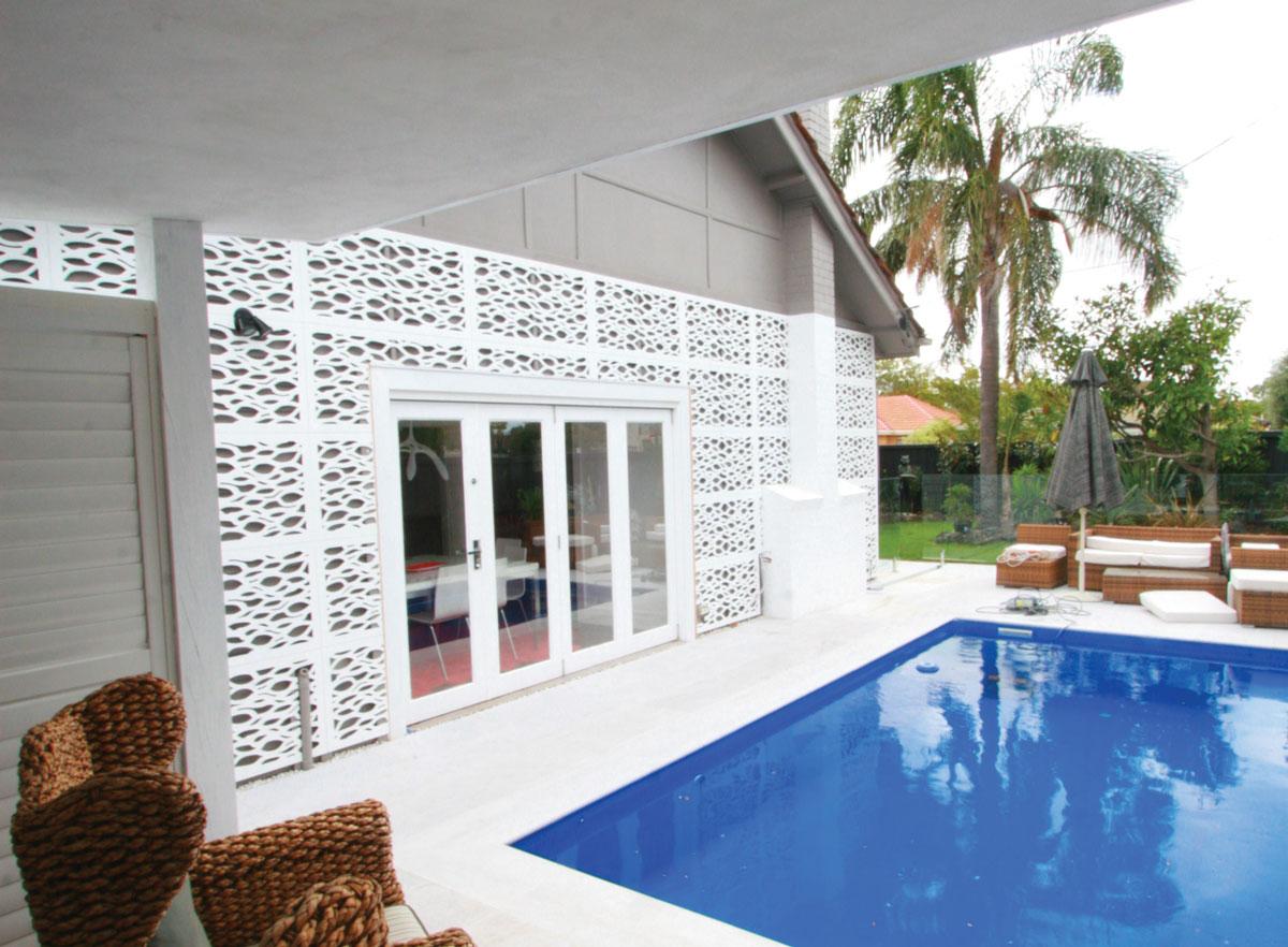 LEAFSTREAM™ 60% Pool Surround