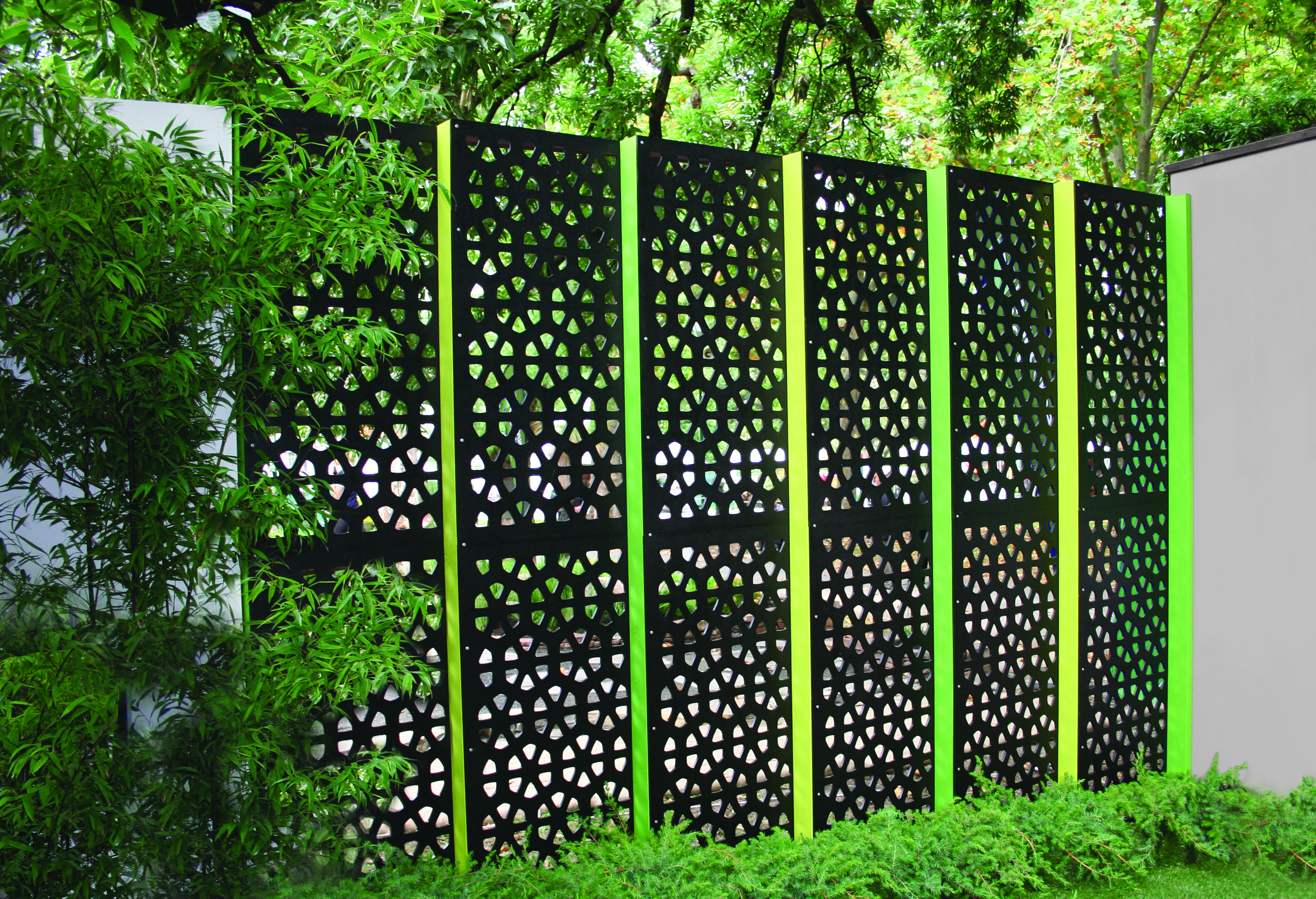 Osaka 80 outdeco outdoor decorative screen panels for Small outdoor privacy screen