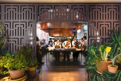 OUTDECO_EMPIRE_Restaurant-web